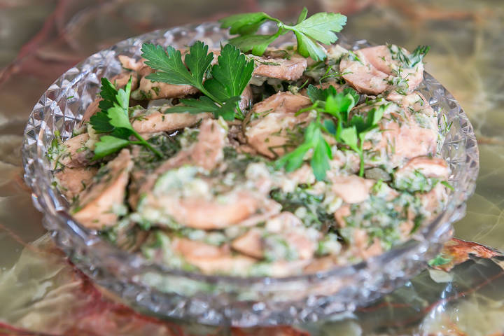 Mushrooms with dill