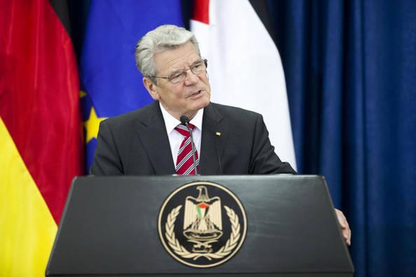 German+President+Joachim+Gauck+Visits+West+KJNLnyAowLEl